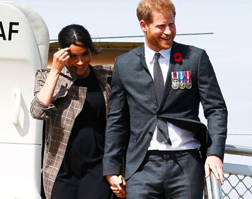 Książę Harry i księżna Meghan w Nowej Zelandii. Maorysi, wpadka pary, złamany protokół i ciążowy brzuszek Meghan