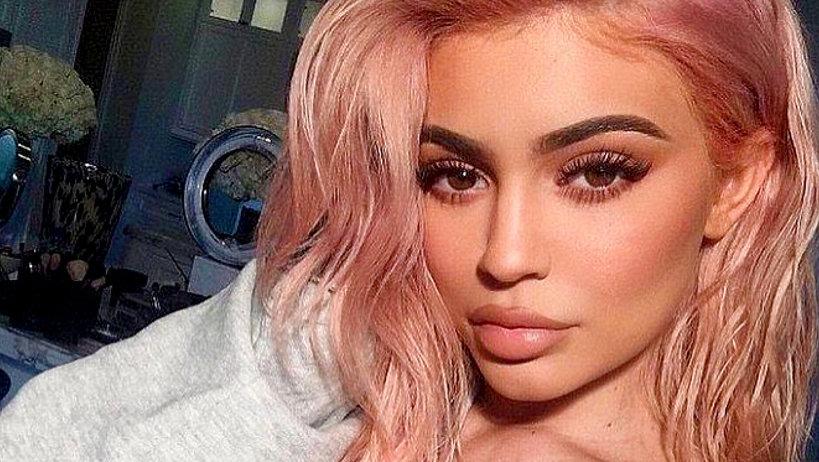 Kylie Jenner została matką - na nowy serwis, wideo