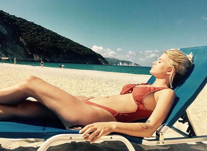 Margaret w bikini