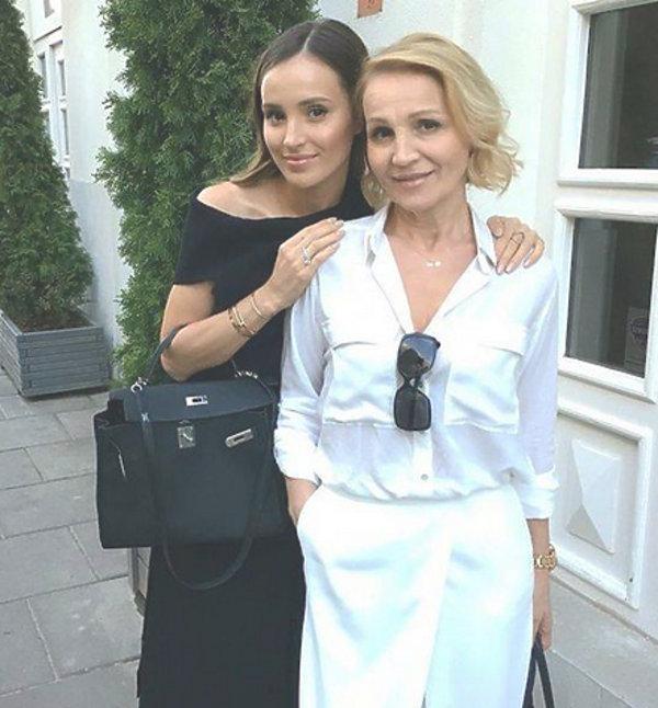 Marina Łuczenko-Szczęsna z mamą i tesciową