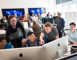 Centrum bazy danych czy statek kosmiczny? Mark Zuckerberg pokazuje wnętrze budynku Facebooka