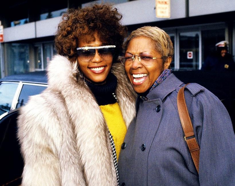 Matka Whitney Houston, Cissy Houston, ostro o molestowaniu córki przez kuzynkę Dee Dee Warwick