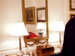 Michelle Omaba, Barack Obama