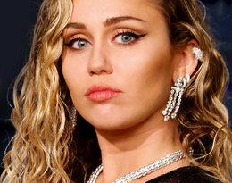 """Miley Cyrus po raz pierwszy na scenie od rozstania: """"Nawet nie próbowała ukryć wzruszenia"""""""
