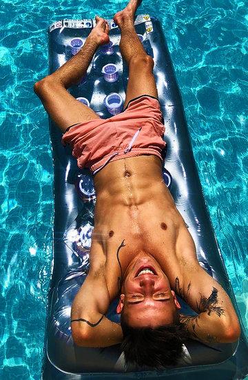 Najlepsze męskie klaty na Instagramie: Dawid Kwiatkowski