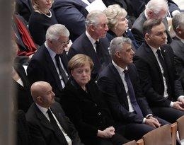 Pogrzeb George'a W. Busha Seniora: Książę Karol, Angela Merkel, Andrzej Duda