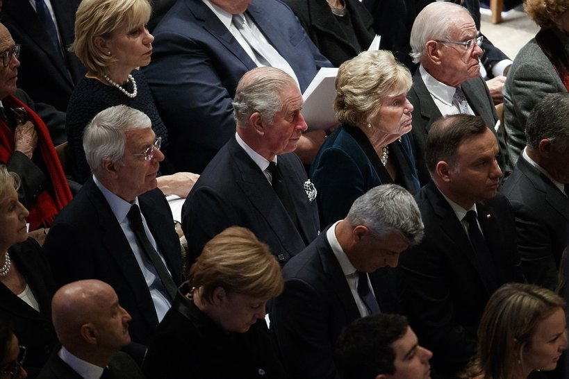 Pogrzeb George'a W. Busha Seniora: Książę Karol i Andrzej Duda w Katedrze Narodowej w Waszyngtonie