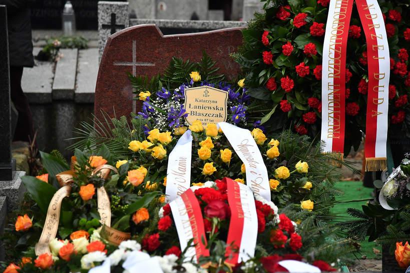 Pogrzeb Katarzyny Łaniewskiej, grób aktorki na cmentarzu, 17.12.2020