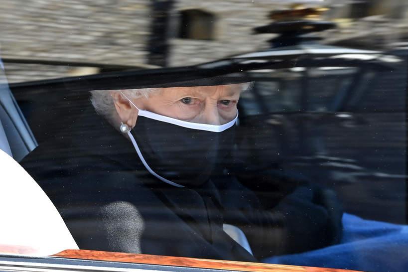 Pogrzeb księcia Filipa, 17.04.2021 rok, królowa Elżbieta II na pogrzebie męża, Windsor