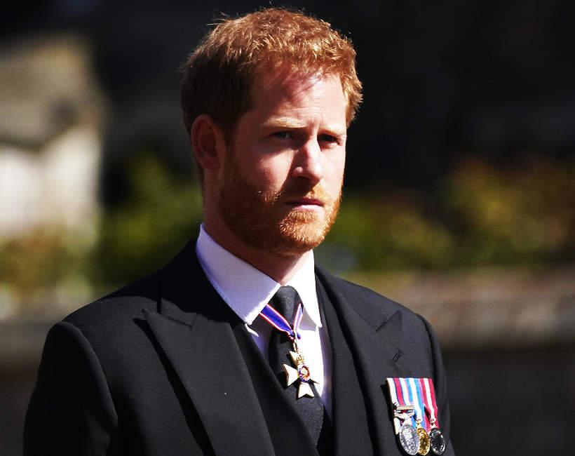 Pogrzeb księcia Filipa, 17.04.2021 rok, rodzina królewska w kondukcie żałobnym, książę Harry