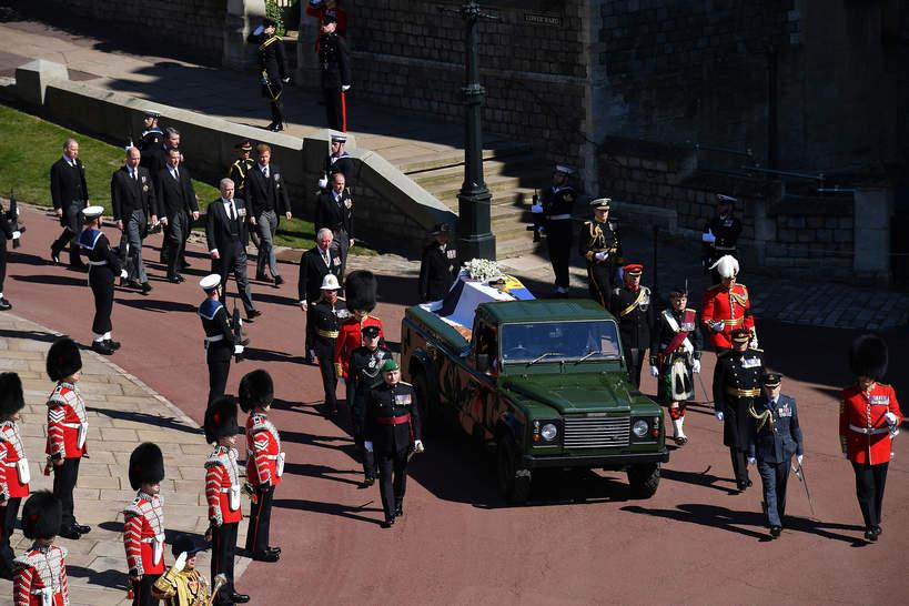 Pogrzeb księcia Filipa, trumna z ciałem księcia Filipa, kondukt żałobny