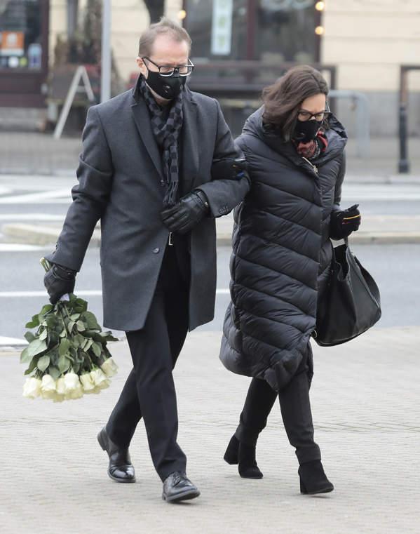 Pogrzeb Piotra Machalicy: Artur Żmijewski, żona Paulina Żmijewska