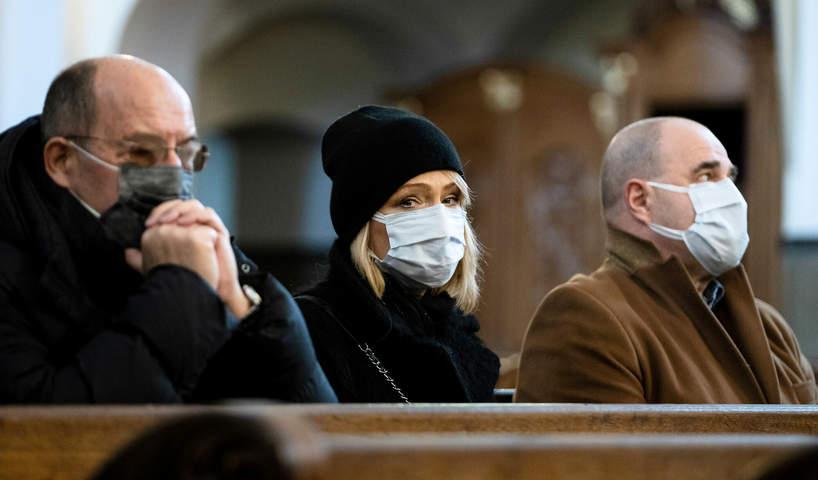 Pogrzeb Piotra Machalicy w Częstochowie, 19.12.2020. Cezary Żak, Katarzyna Żak