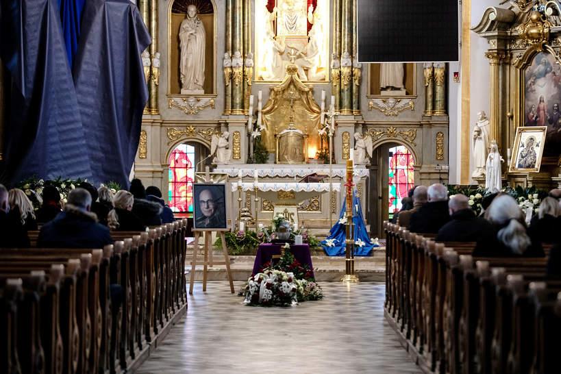 Pogrzeb Piotra Machalicy w Częstochowie, 19.12.2020. Wnętrze Kościoła