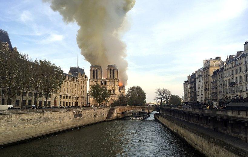 Pożar katedry Notre Dame w Paryżu - zdjęcia