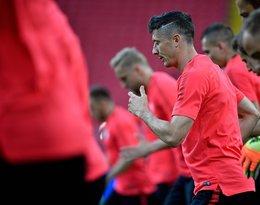 Robert Lewandowski ma nową fryzurę. Kapitan reprezentacji Polski wygolił bok głowy