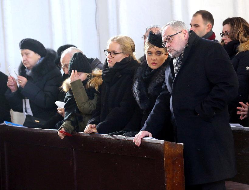Rodzina na pogrzebie Pawła Adamowicza: rodzice, żona Magdalena, brat Piotr, córki Antonina i Teresa