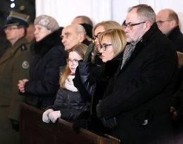 Rodzina na pogrzebie Pawła Adamowicza: żona Magdalena, brat Piotr, córki Antonina i Teresa