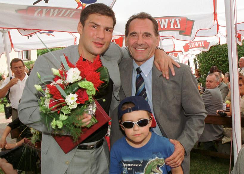 Ryszard Szurkowski z synem i Dariuszem Michalczewskim, Jubileusz 50-lecia Ośrodka Przygotowań Olimpijskich w Cetniewie, 21.07.2002
