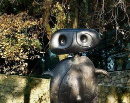 Rzeźba Joana Miro w ogrodzie Fondation Maeght