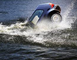 Tragedia w Świnoujściu. Samochód wjechał do wody, nie żyje dwoje 15-latków