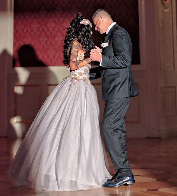 Suknie ślubne Ewy Minge, Ewa Minge na swoim ślubie, Ślub i wesele Ewy Minge - goście, mąż, podróż poślubna