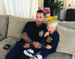 Syn Pink Jameson wraz z jej mężem Careyem Hartem