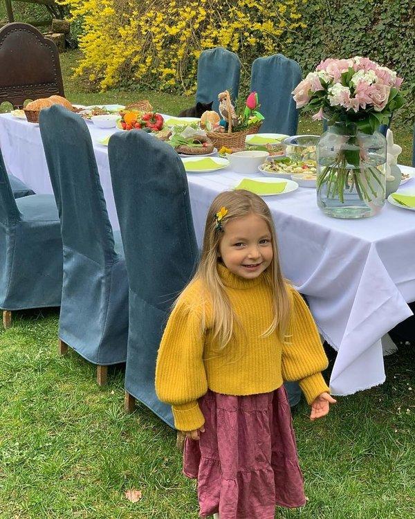 Tak gwiazdy świętują Wielkanoc: córka Piotra Kraśki i Karoliny Ferenstein, Laura