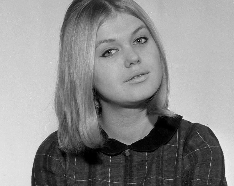 """Warszawa, 1967 r. Elżbieta Góralczyk, aktorka, Anula w serialu """"Wojna domowa"""""""