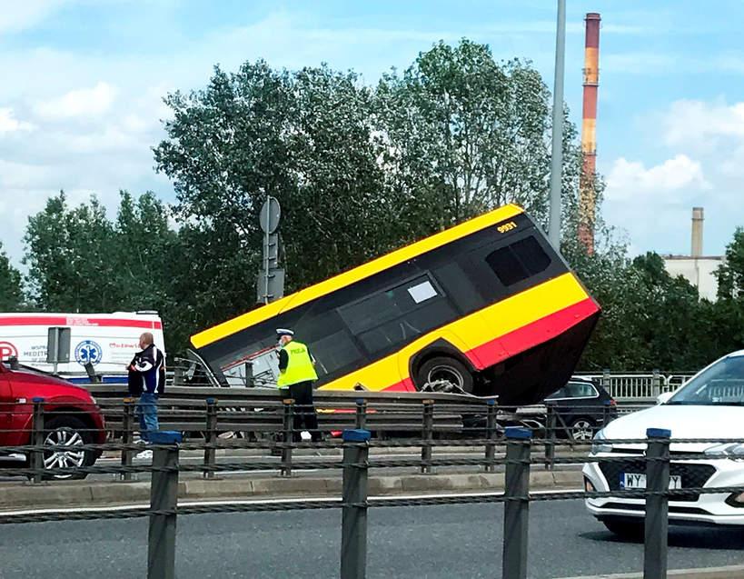 Warszawa, autobus, autobus miejski, wypadek
