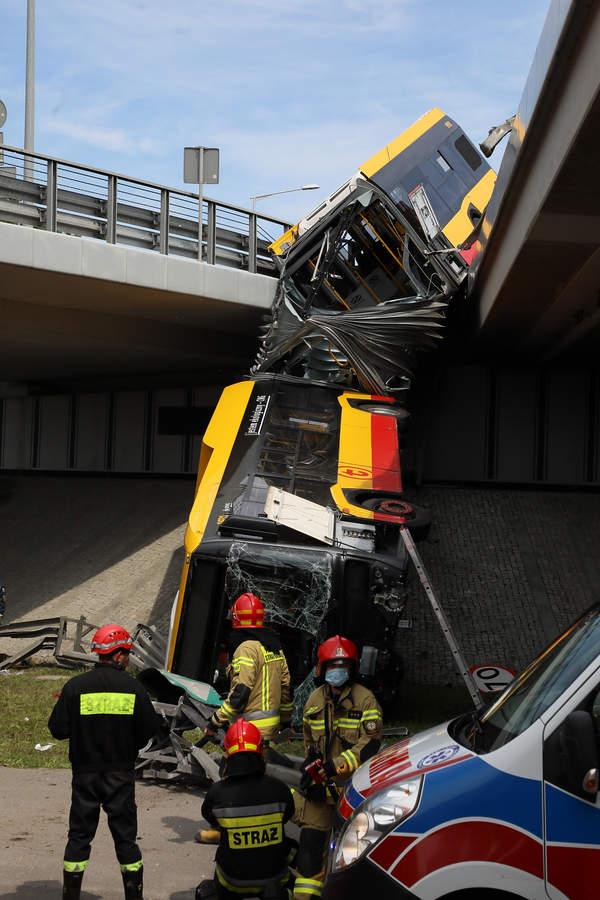 Warszawa, autobus, autobus miejski, wypadek, zdjęcia z miejsca wypadku