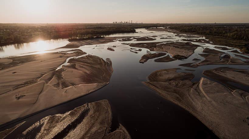 Warszawa, Wisła, susza, niski stan wody, ekologia