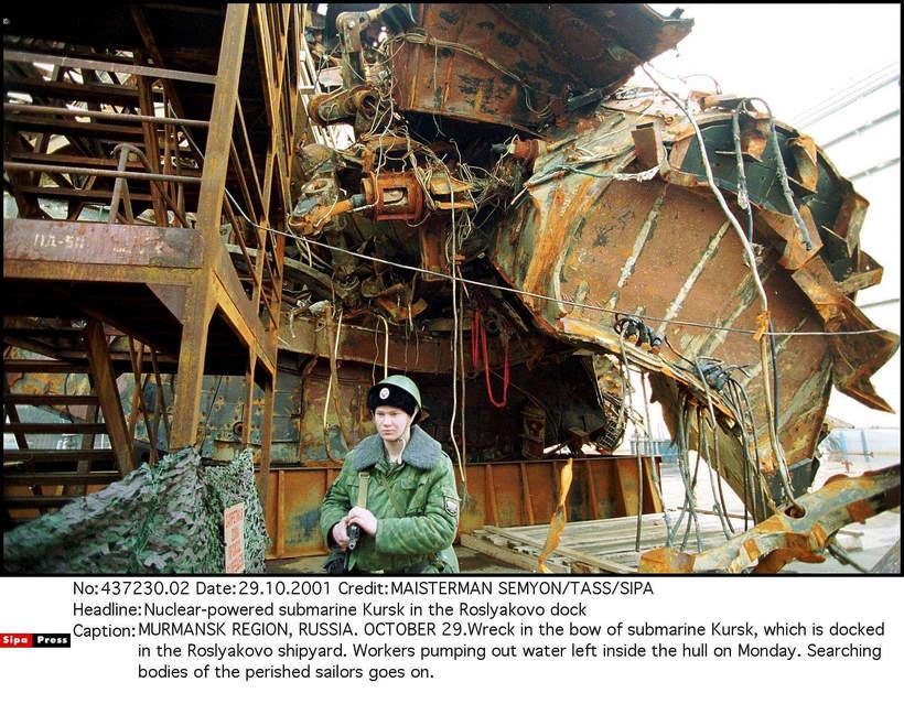 Wrak Kurska, Murmuńsk, Rosja, 29.10.2001 rok
