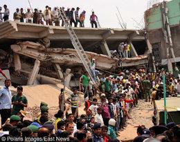 Zawalona fabryka Rana Plaza w Dace w Bangladeszu