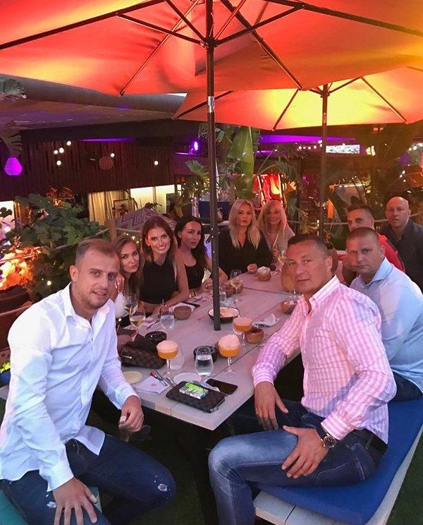 Kamil Grosicki z przyjaciółmi na Ibizie
