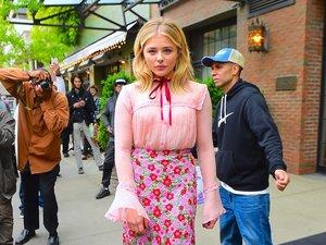 19-letnia dziewczyna Brooklyna Beckhama, Chloe Grace Moretz zaprezentowała się w babcinej stylizacji od Gucci. Wpadka?