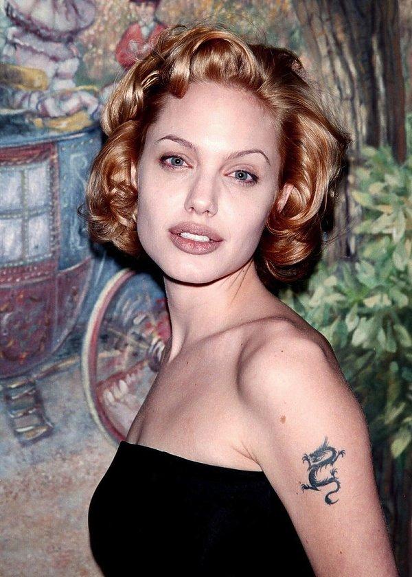 Angelina Jolie w lokach