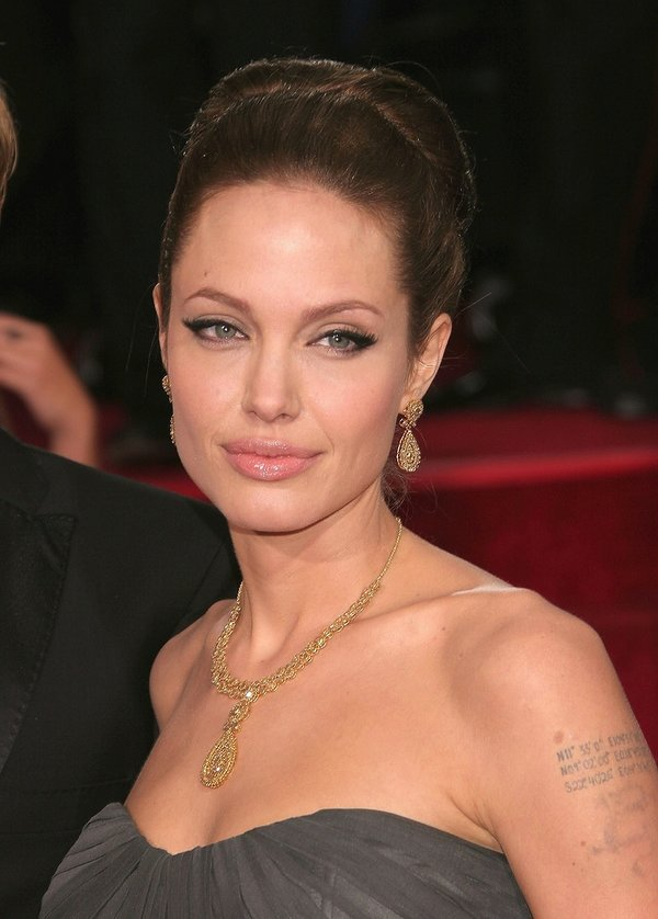 Angelina Jolie w wysokim koku