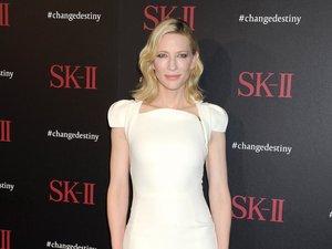 Cate Blanchett w białej sukience