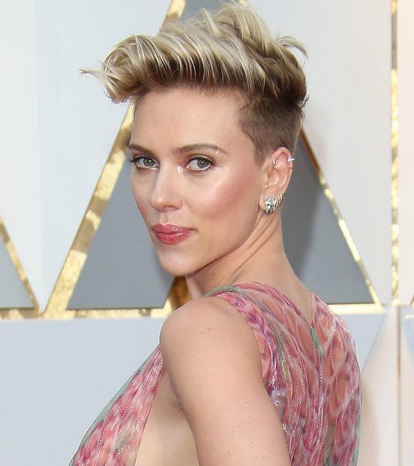 Scarlett Johansson W Nowej Fryzurze Metamorfozy Gwiazdy