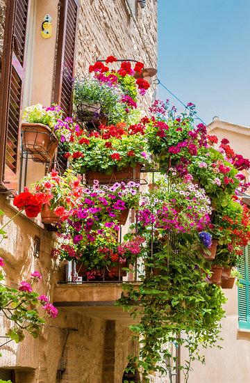 Jak zaaranżować balkon wiosna 2018