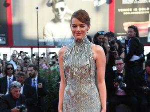 Emma Stone w srebrzystej sukni