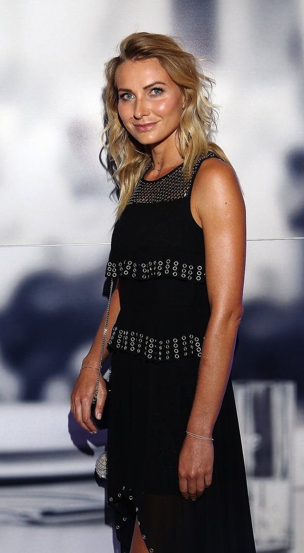 Joanna Moro w czarnej sukience