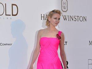Uma Thurman w długiej różowej sukni