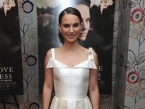 Natalie Portman w białej sukience księżniczki