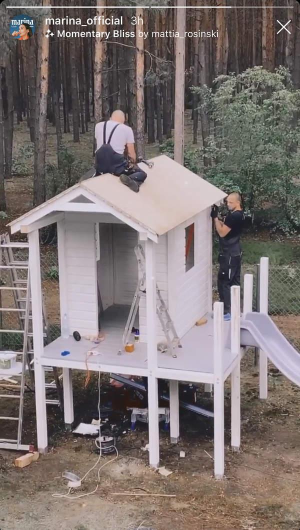 dom-liama-w-ogrodzie-mariny-i-wojtka-bialy