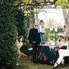 Dom Roberto Cavalli we Florencji - na zdjęciu projektant z rodziną