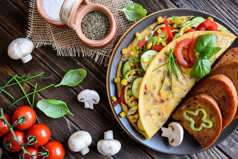 Omlet z grzybami, serem i tymiankiem