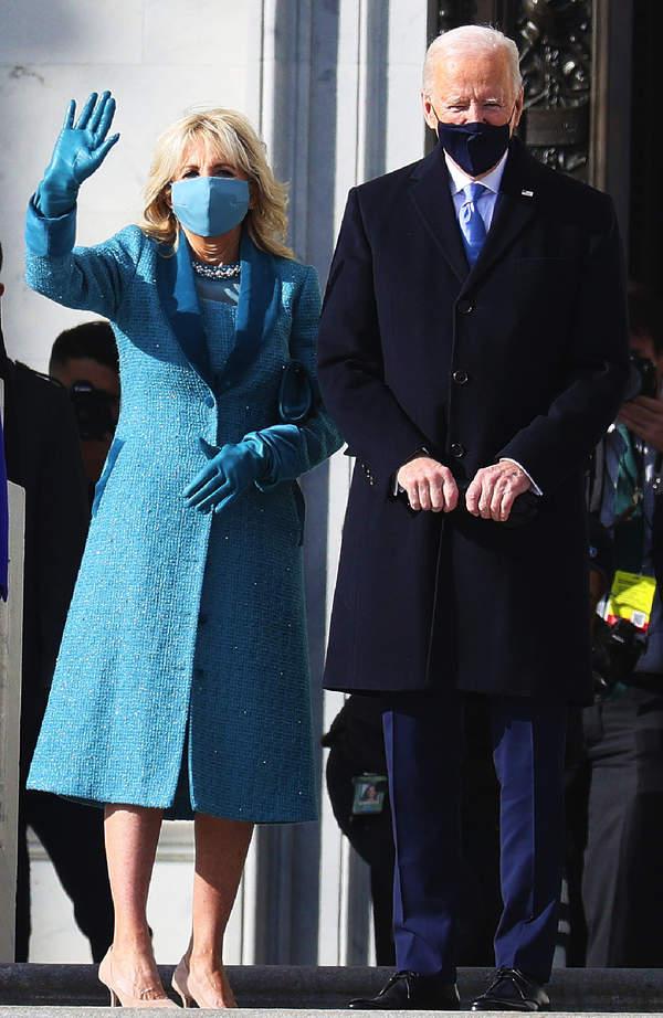 inauguracja-prezydenta-joe-biden-usa-jill-biden-stylizacja-plaszcz-25