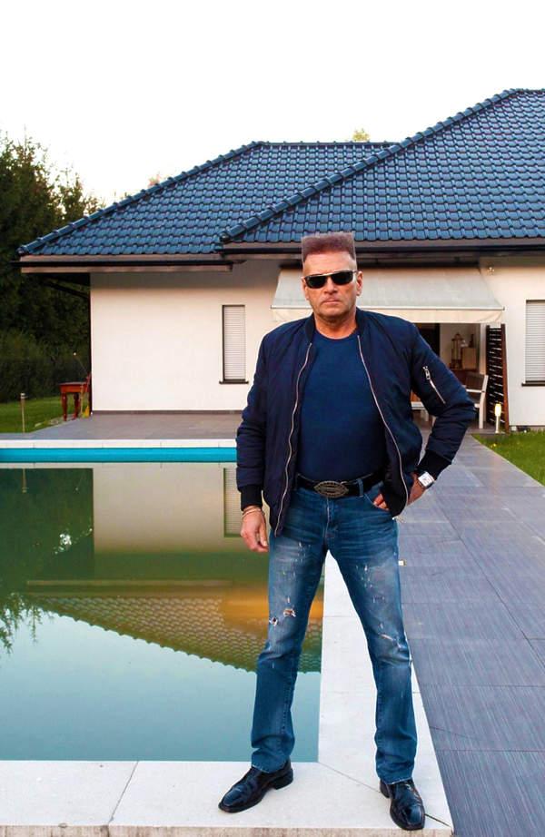 Jak mieszka Krzysztof Rutkowski